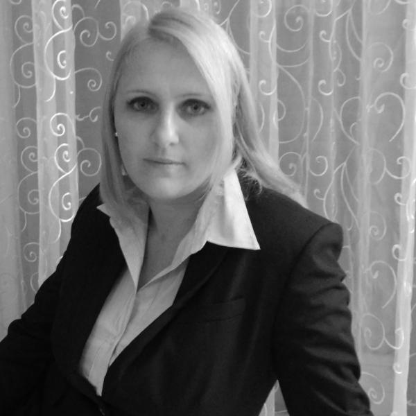Mag. Dr. Franziska Hartl